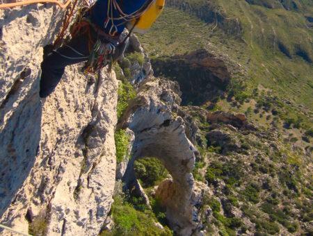 Grandes cumbres del Levante, Puig Campana, Ponoig y Peñón de Ifach.